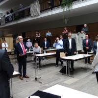 Der ältereste Stadtrat - Klaus Kirchner vereidigt 1. Bürgermeisterin
